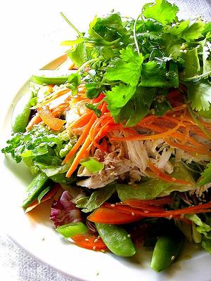 Овощной салат с карамелью