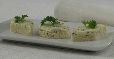 Бутерброды с маслом и сельдереем