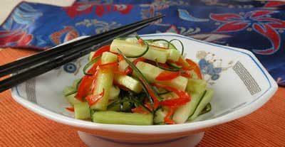 Салат из огурцов со сладким перцем