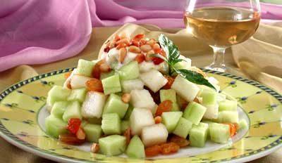 Салат из груш и огурцов