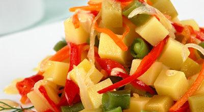 Салат с фасолью и овощами