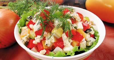 Яичный салат со сладким перцем и рокфором