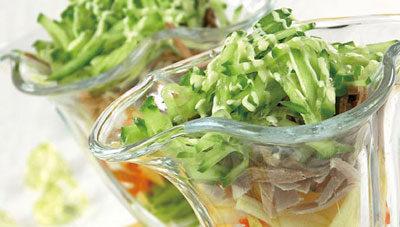 Салат-коктейль мясной с овощами