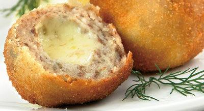 """""""Шарики"""" из сельди, фаршированные сыром"""