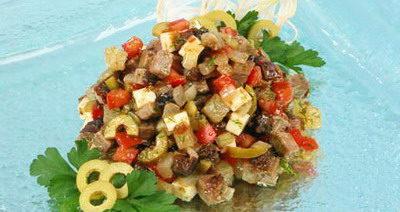 Салат с тушеной говядиной