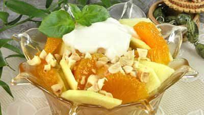 Салат из яблок и мандаринов