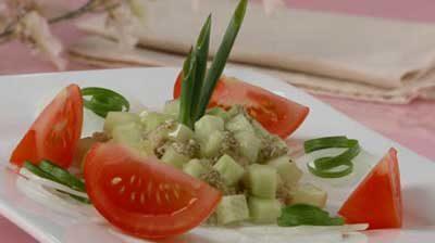 Хлебный салат с овощами