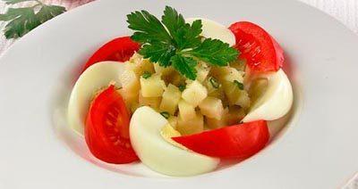 Салат картофельный с луком