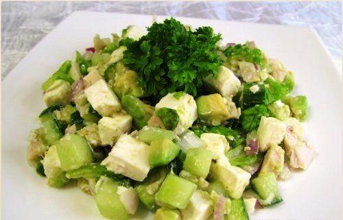 Салат из зеленого лука с брынзой