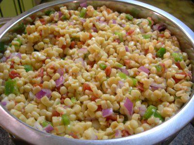 Салат овощной с кукурузой